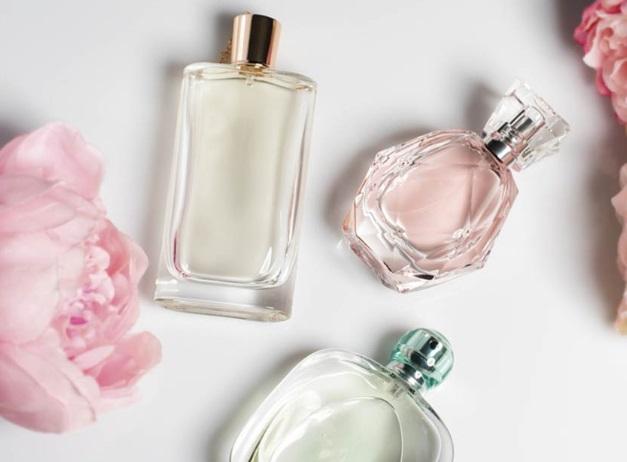 co wiemy o perfumach - historia powstania